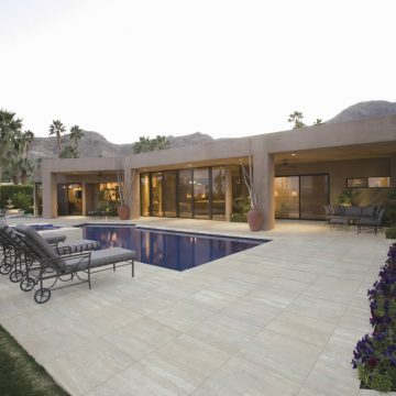 travertine-pool-deck-tiles
